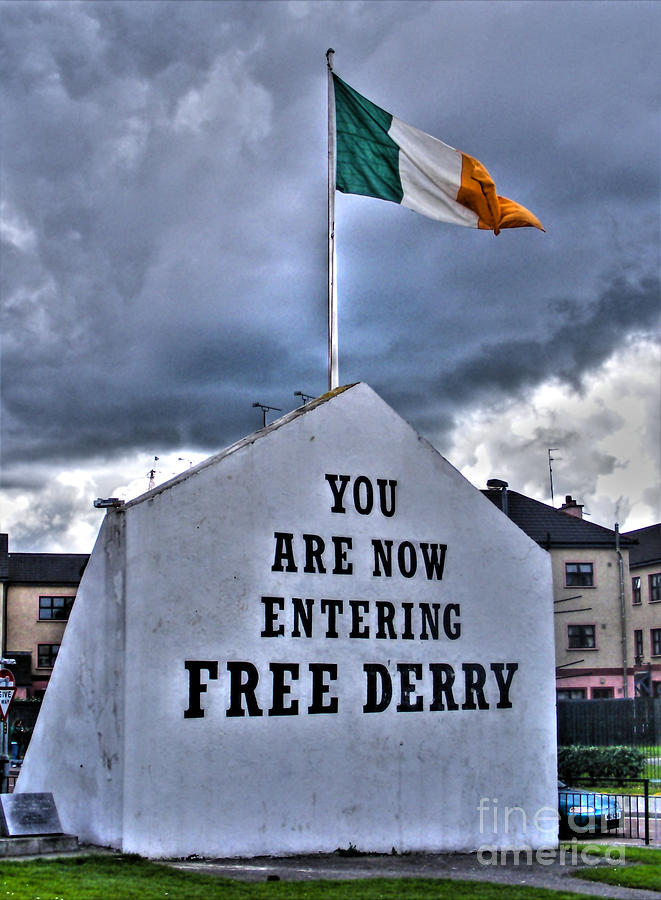 Derry Photograph - Free Derry Wall by Nina Ficur Feenan