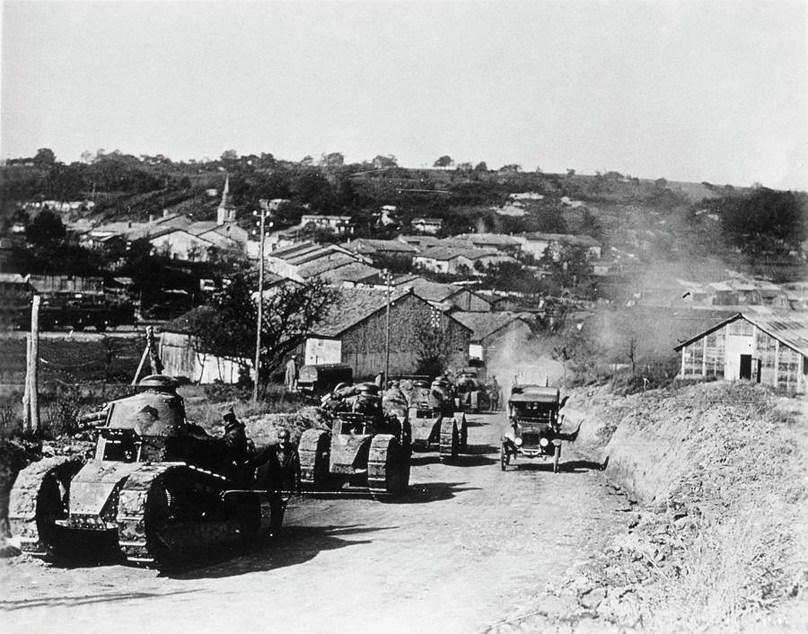 Vehicle Photograph - French Tanks by Library Of Congress/science Photo Library