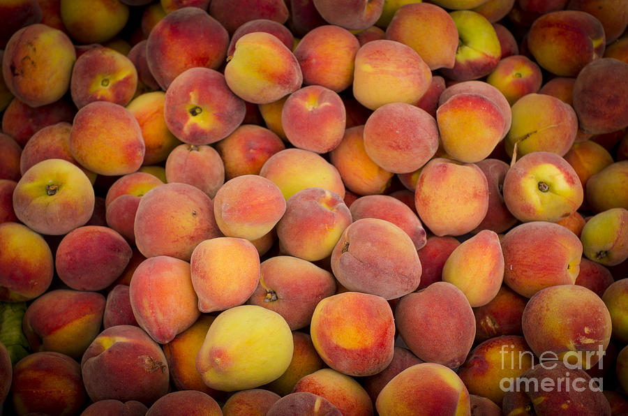 Peach Photograph - Fresh Peaches On A Street Fair In Brazil by Ricardo Lisboa