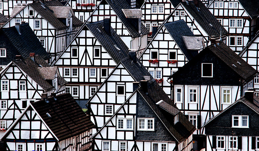 Germany Photograph - Freudenberg by Giorgio Darrigo