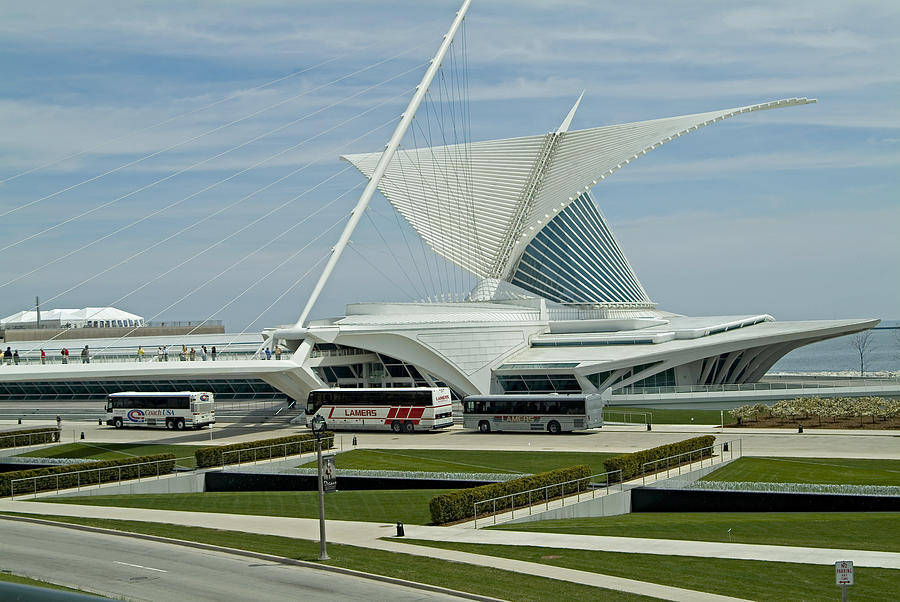 Milwaukee Art Museum Photograph - Front View Milwaukee Art Museum by Devinder Sangha