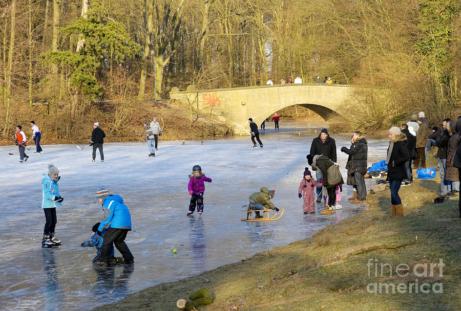 Krefeld Photograph - Frozen Lake Krefeld Germany by David Davies