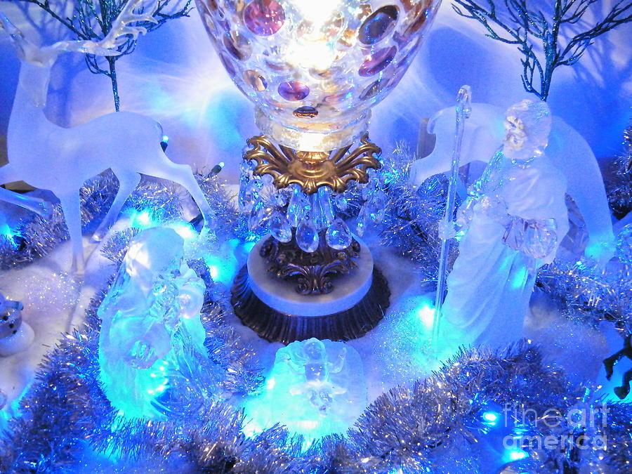 Frozen Nativity 2 by Ronda Douglas