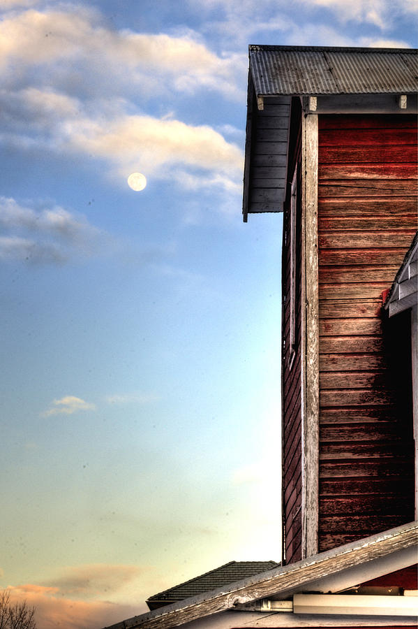 Ft Photograph - Ft Collins Barn And Moon 13586 by Jerry Sodorff