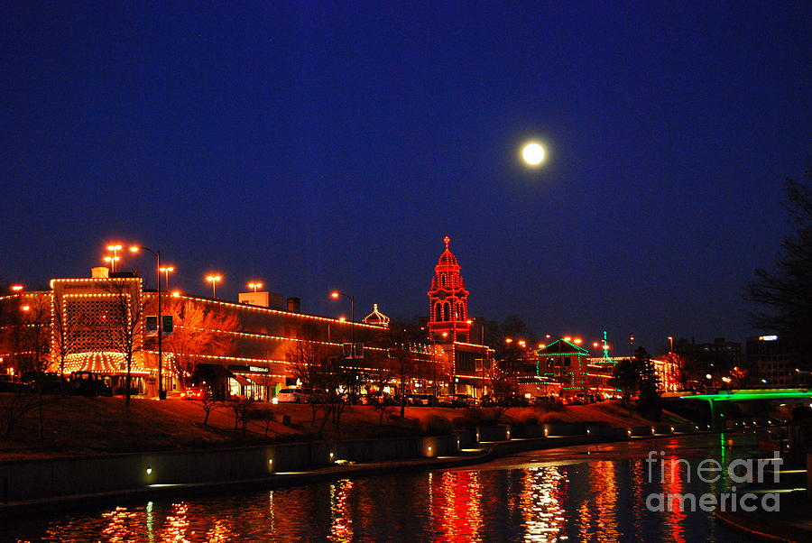 Full Moon Over Plaza Lights In Kansas City Photograph by Catherine ...