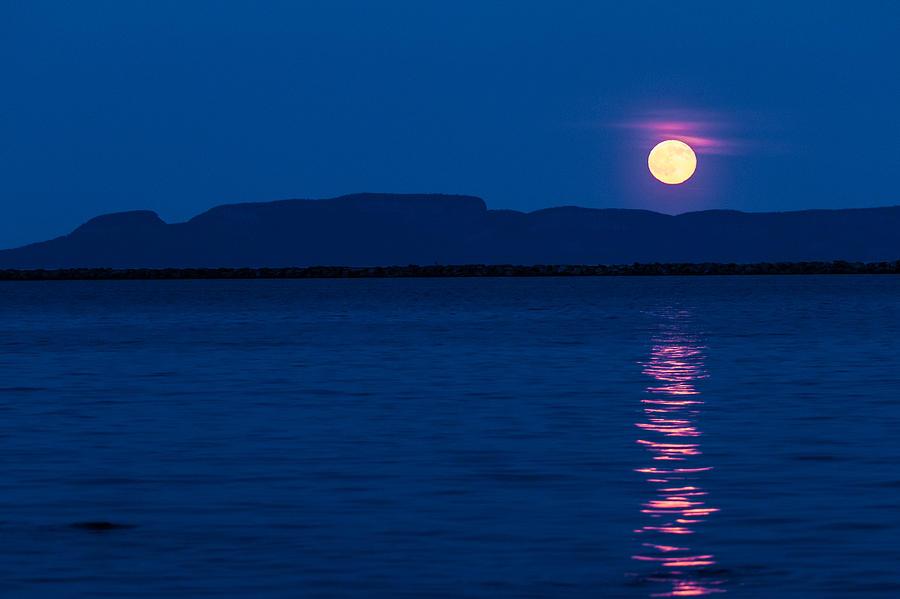 Sleeping Giant Photograph - Full Moon Over The Giant by Linda Ryma