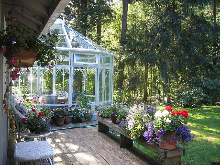 a25db4dd7b53 Garden Conservatory Photograph by Pat Yager