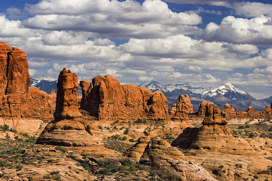 Arches Photograph - Garden Of Eden And La Sal Mountains by Utah Images