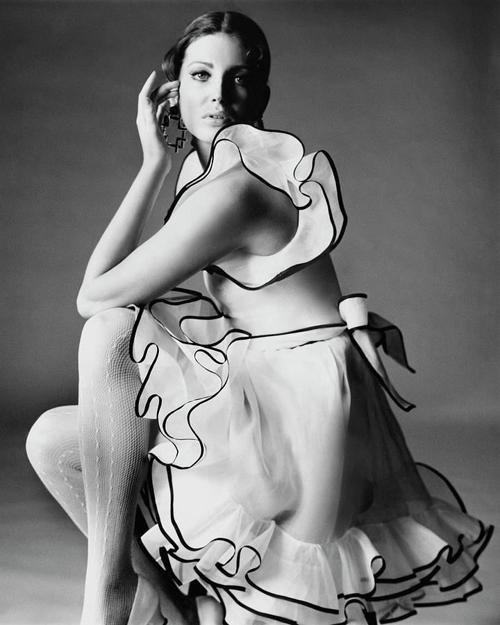 Gayle Hunnicutt Wearing A Oscar De La Renta Dress Photograph by Bert Stern