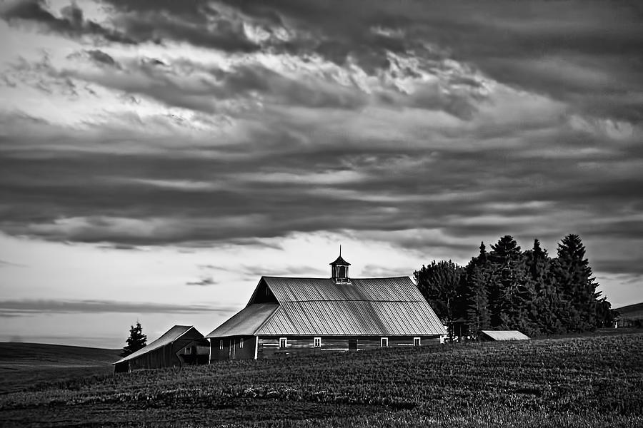 Usa Photograph - Genesee Barn by Latah Trail Foundation