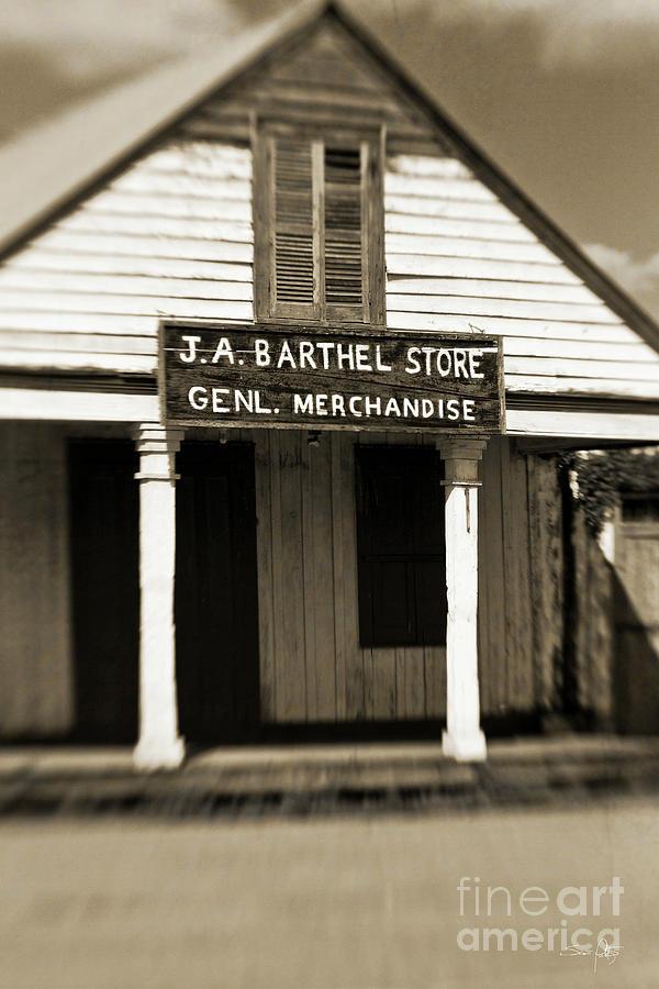 Store Photograph - Genl Merchandise by Scott Pellegrin