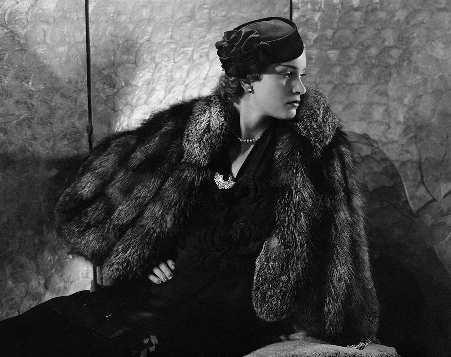 Gerda Sommerhoff Wearing Suzy And Black Starr Photograph by Edward Steichen