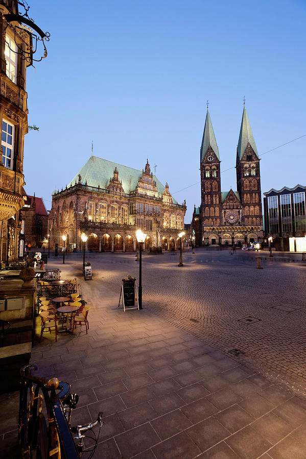 Germany, Bremen,  View Of Town Hall At Photograph by Westend61