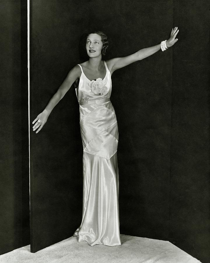 Gertrude Lawrence In A Molyneux Dress Photograph by George Hoyningen-Huene