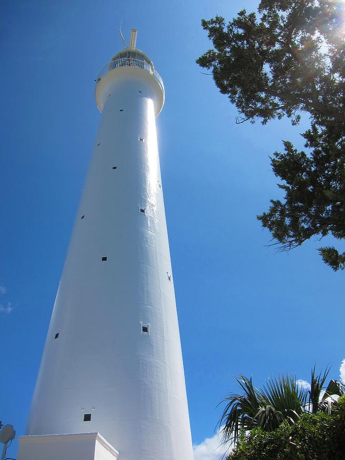 Bermuda Photograph - Gibbs Hill Lighthouse by Gordon Cain