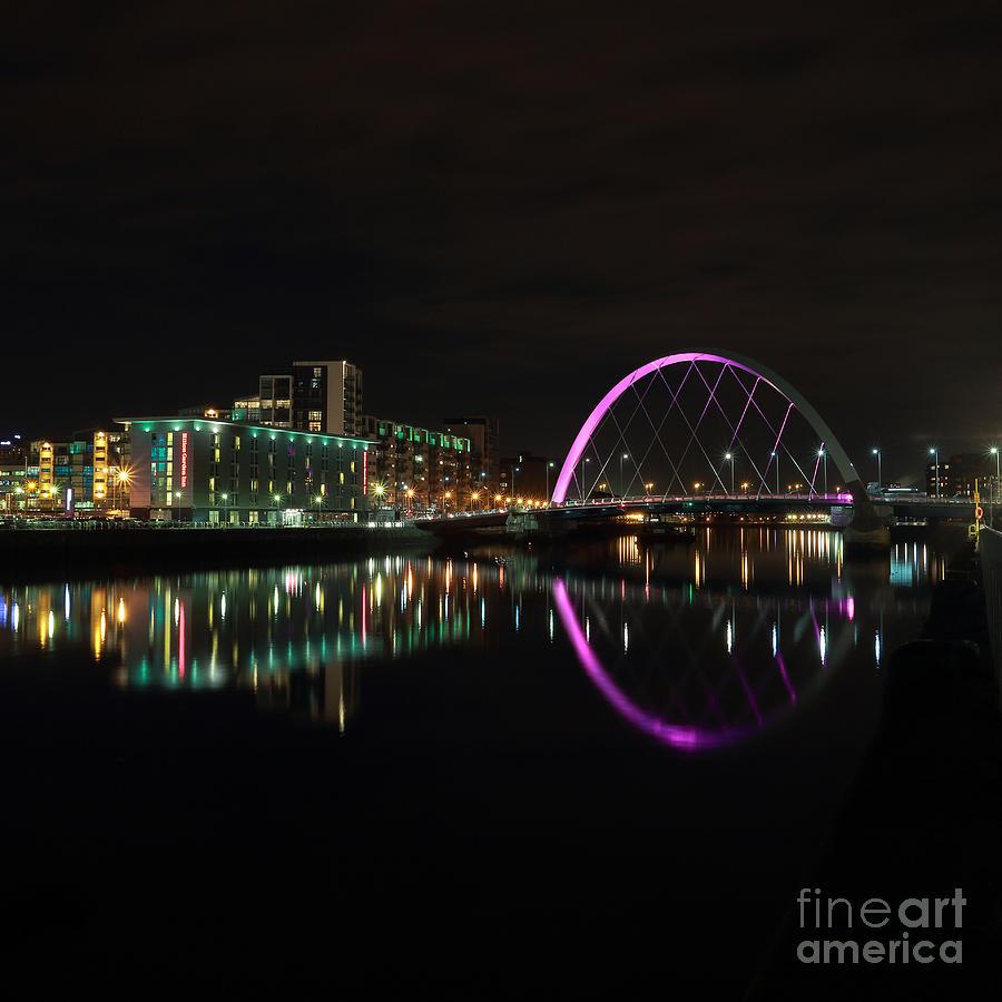 Glasgow Photograph - Glasgow Clyde Arc Bridge At Night by Maria Gaellman