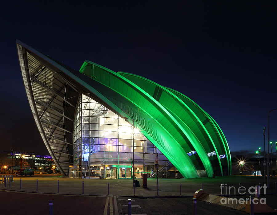 Glasgow Armadillo Photograph - Glasgow Clyde Auditorium by Maria Gaellman