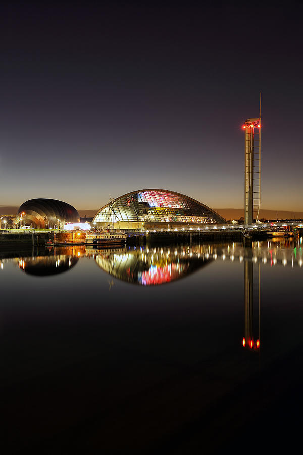 Glasgow Tower Photograph - Glasgow Science Centre by Grant Glendinning