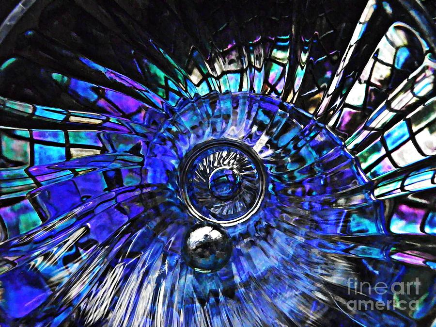 Abstract Photograph - Glass Abstract 403 by Sarah Loft