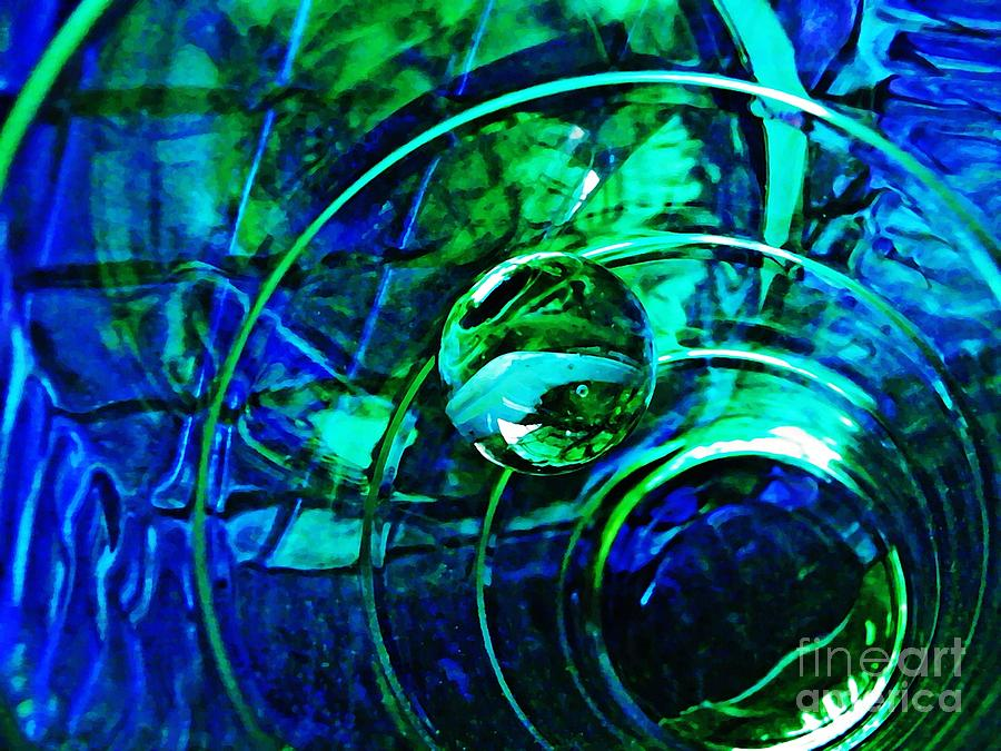 Abstract Photograph - Glass Abstract 477 by Sarah Loft