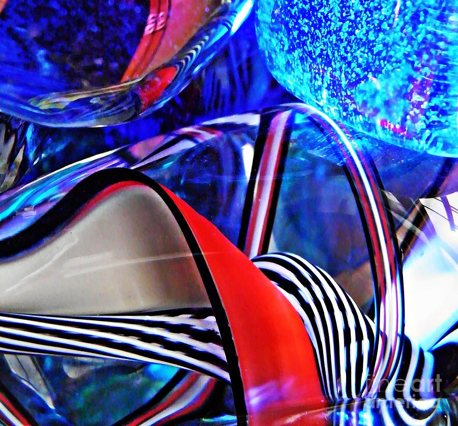 Abstract Photograph - Glass Abstract 503 by Sarah Loft