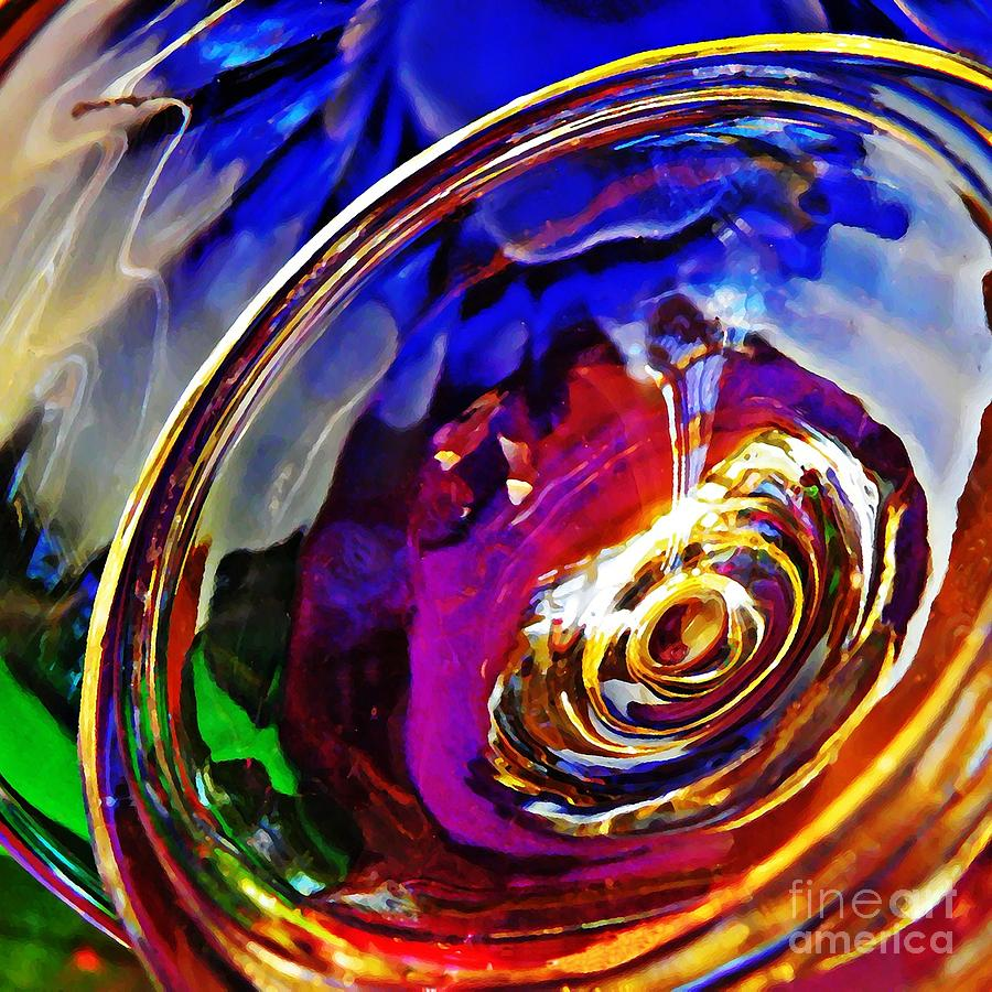 Abstract Photograph - Glass Abstract 549 by Sarah Loft