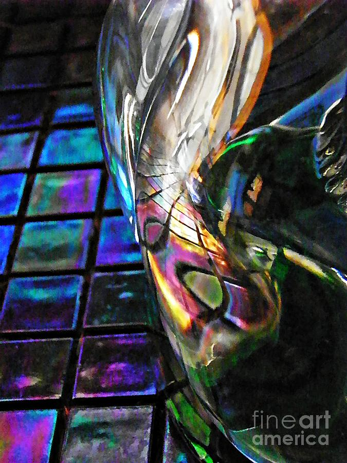 Abstract Photograph - Glass Abstract 770 by Sarah Loft