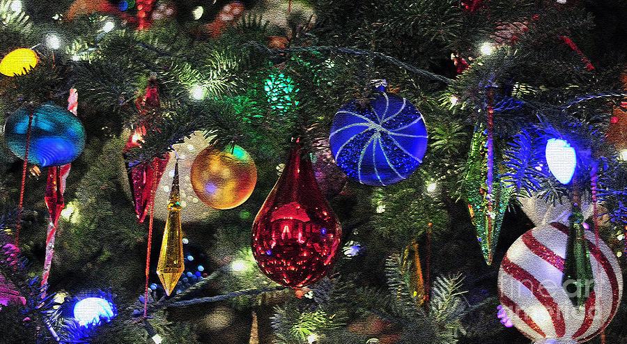Christmas Photograph - Glass Christmas Tree Ornaments 388 by Terri Winkler - Glass Christmas Tree Ornaments 388 Photograph By Terri Winkler