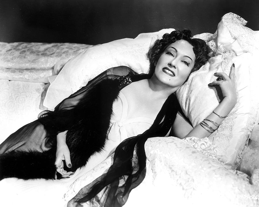 Sunset Blvd Photograph - Gloria Swanson In Sunset Blvd.  by Silver Screen