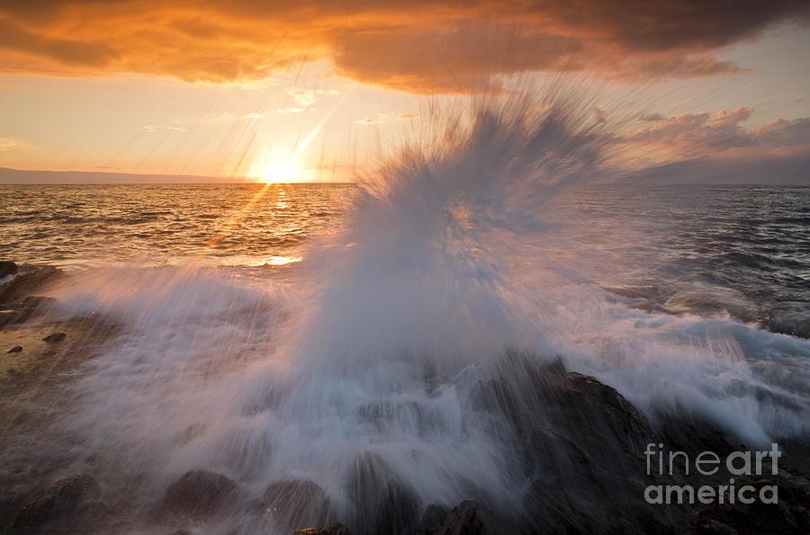 Seascape Photograph - Glowing Sunset Splash by Paul Karanik