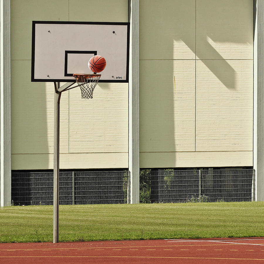 Basketball Photograph - Goal by Jutta Kerber