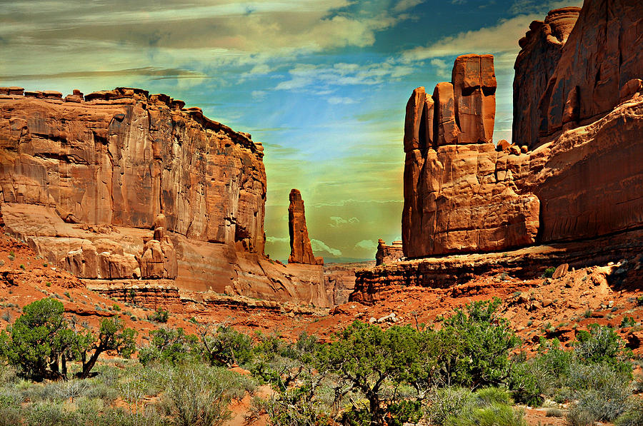 Arches National Park Photograph - Golden Glow On Park Avenue by Marty Koch