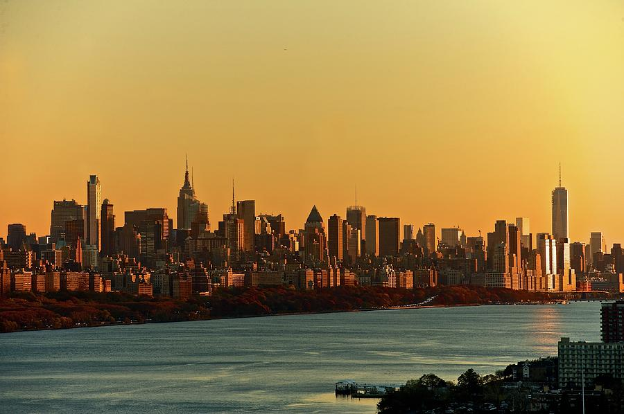 Golden Sunset On Nyc Skyline Photograph by Robert D. Barnes