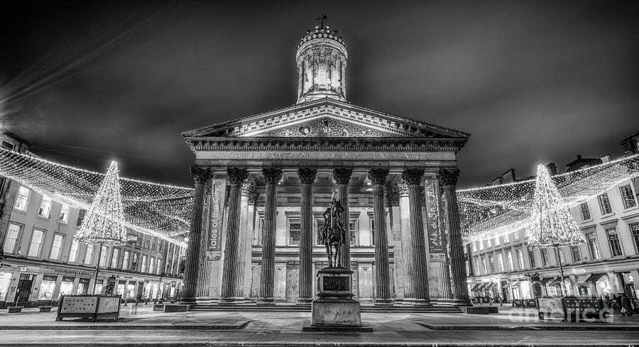 G.o.m.a Photograph - Goma Glasgow Lit Up Mono by John Farnan