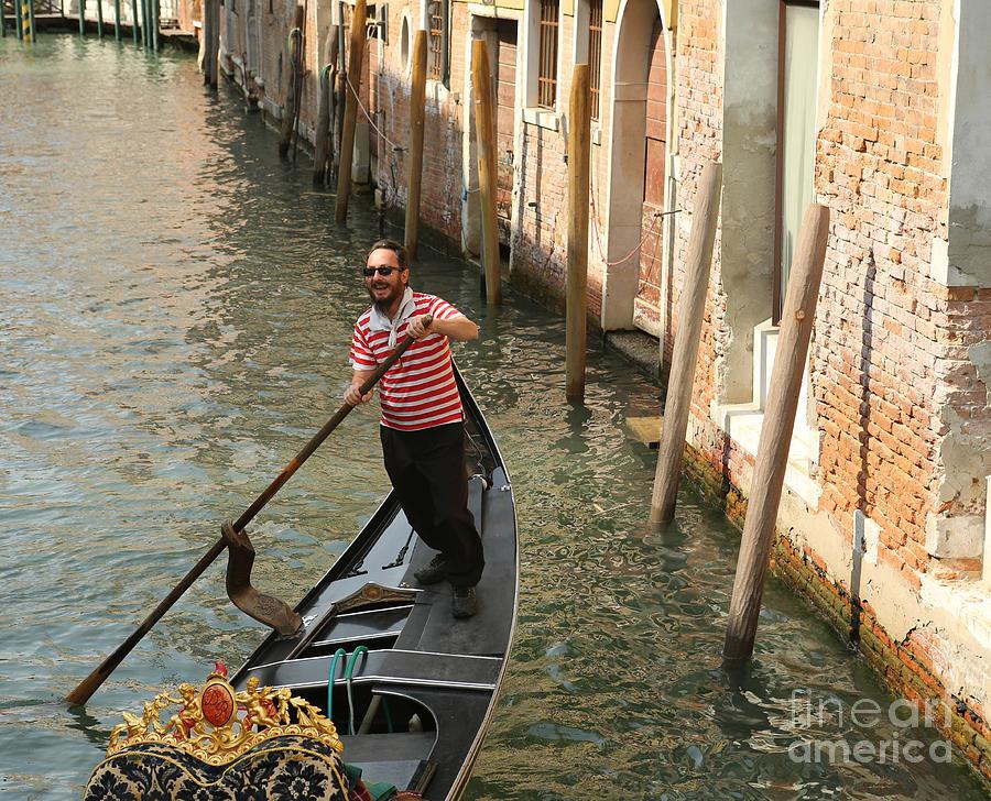 Gondola Photograph - Gondola Man by Alex Dudley