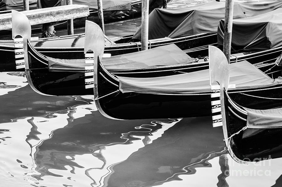 Gondolas Photograph - Gondolas by Luis Alvarenga