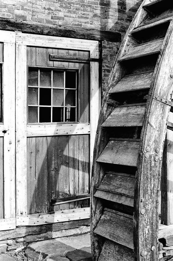 Mill Photograph - Abandoned But Proud #2 by Robert Sroka