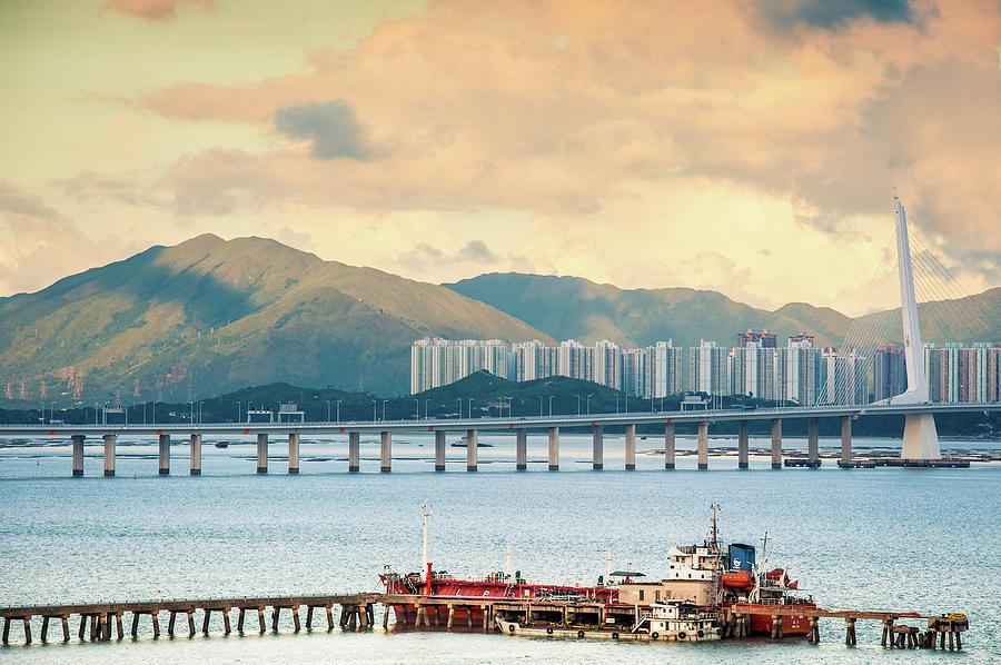 Good Morning Shenzhen & Hong Kong Photograph by Capturing A Second In Life, Copyright Leonardo Correa Luna
