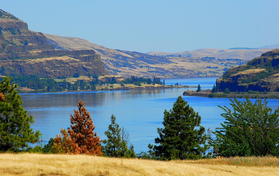 Gorge Photograph - Gorge East by Mamie Gunning