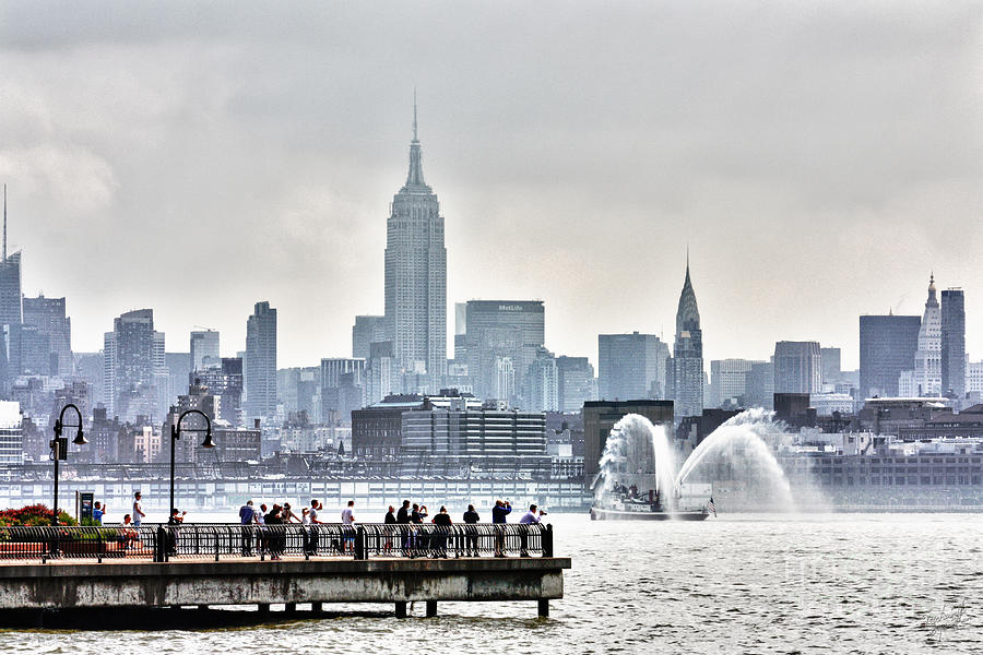 New York Skyline Photograph - Gotham Harbor by Nishanth Gopinathan