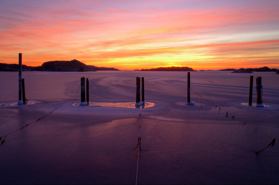 Gothenburg Archipelago In Winter Photograph by Johan Klovsjö
