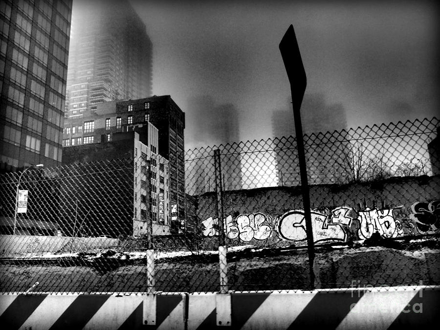 Graffiti Noir Photograph