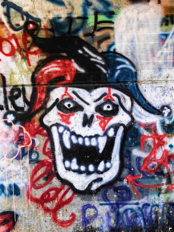 graffiti skull clown photograph by kristie bonnewell