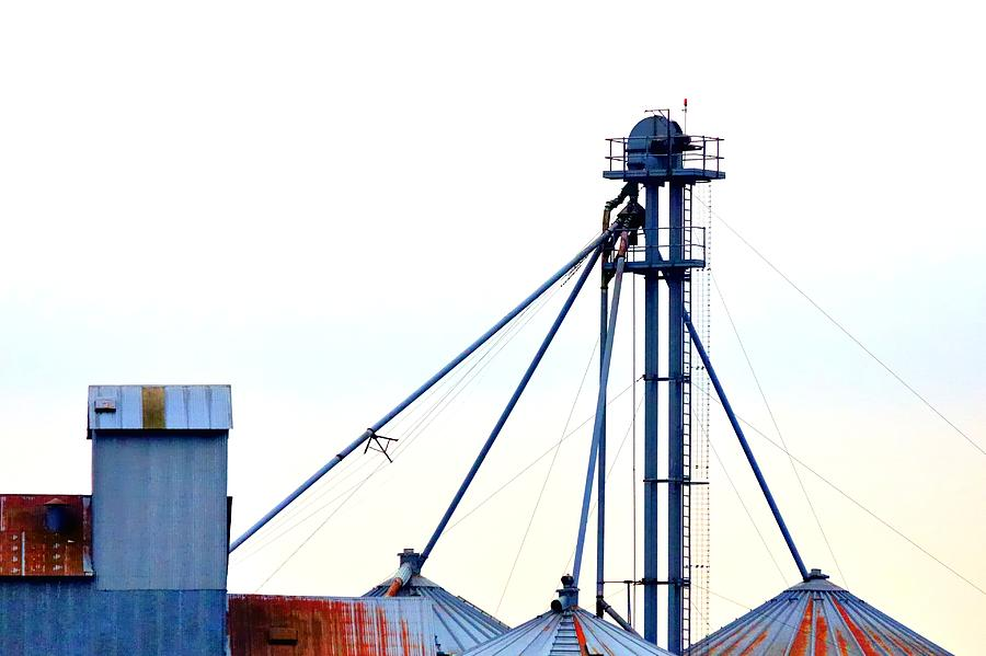 Grain Elevator 20624 Photograph