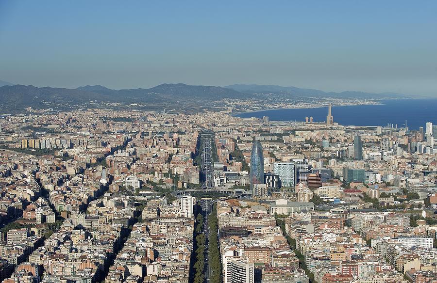 Barcelona Photograph - Gran Vía, Eixample, Barcelona by Jordi Todó