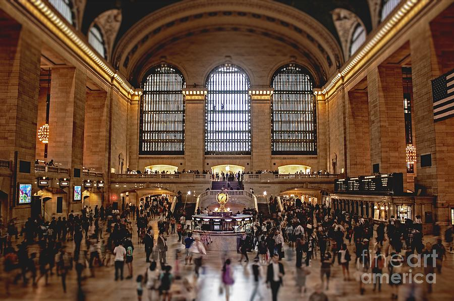 Grand Photograph - Grand Central by Andrew Paranavitana