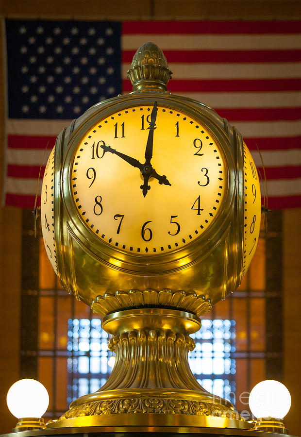 America Photograph - Grand Central Clock by Inge Johnsson