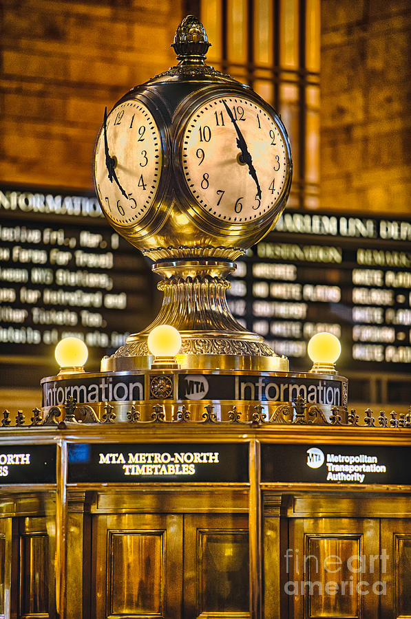 Grand Central Terminal Photograph - Grand Cerntral Terminal Clock No. 1 by Jerry Fornarotto