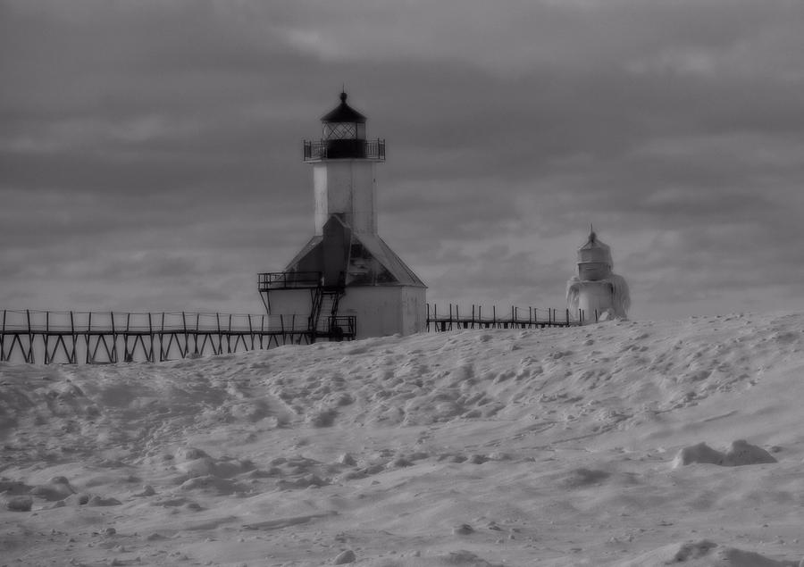 Grand Haven Photograph - Saint Joseph Michigan Lighthouse In Winter by Dan Sproul