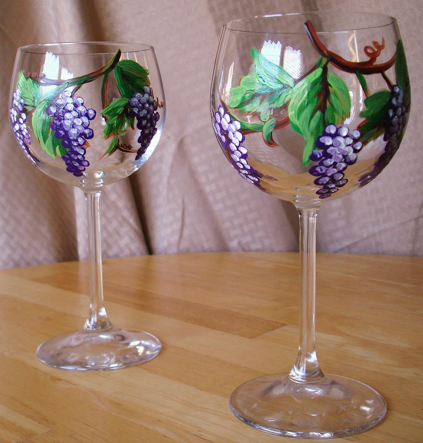 Grapevine wine glass painting by sarah grangier for Type of paint to use on wine glasses